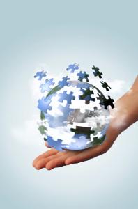 globe dans la main