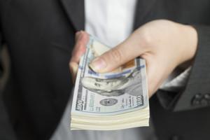 Déposez une demande de domestication d'un jugement étranger en Floride pour collecter l'argent qui vous est dû.